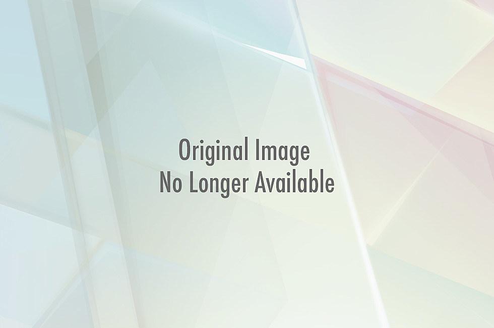 Rogers photo bomb