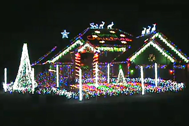 the other night my dad sent me this on facebook and my mind was blown - Christmas Lights Youtube